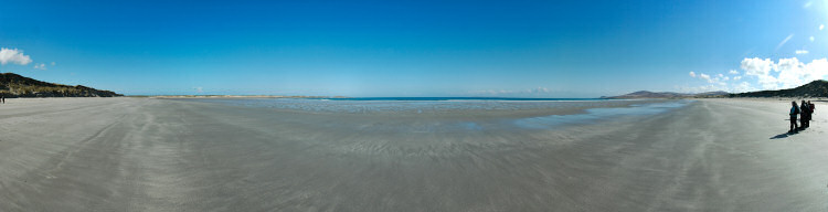 Picture of a panoramic view over a beach (Traigh Baile Aonghais on the Isle of Islay)